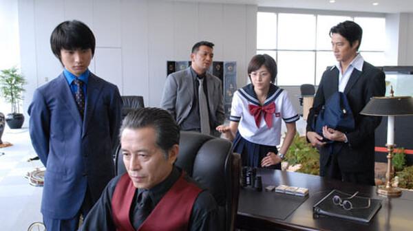 セーラー服と機関銃 (2006) 第2話 女子高生組長の初仕事は涙の大乱闘!!